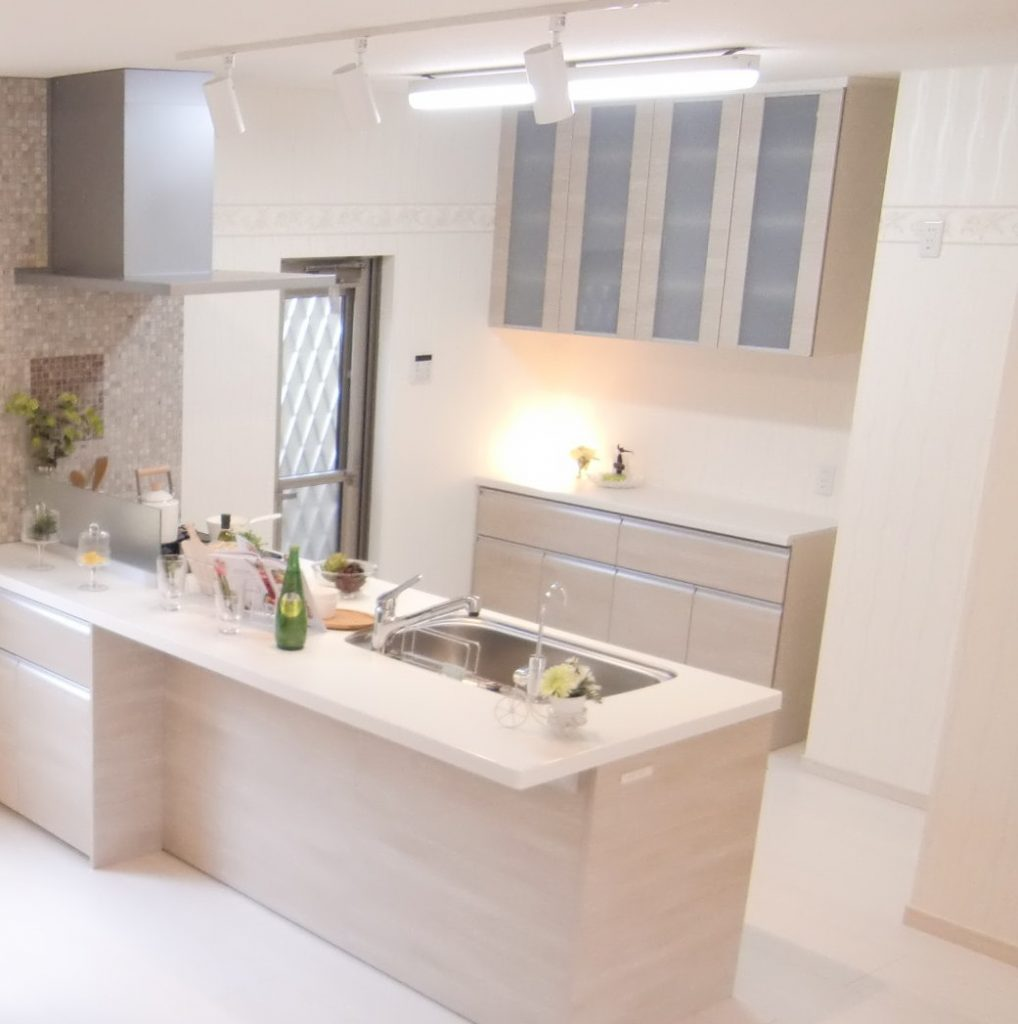 【施工例】明るく開放感のあるオープンキッチンは日々のお料理を楽しくしてくれます♪