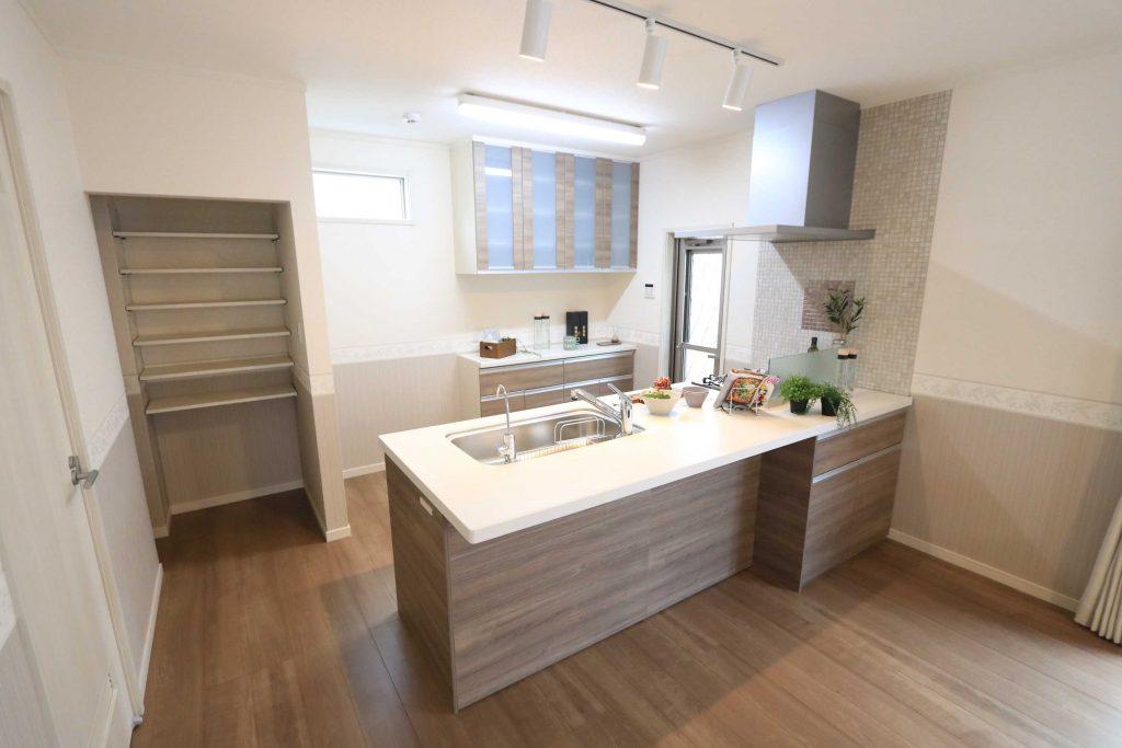 【施工例】明るく開放感のあるオープンキッチン♪日々のお料理が楽しくなります♪